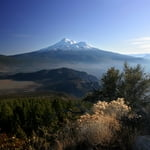 Mount Shasta (4 322 m / 14 180 ft)