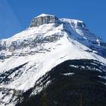 Mount Amery (3 329 m / 10 922 ft)