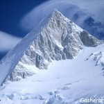 Gashbrum 11climbing