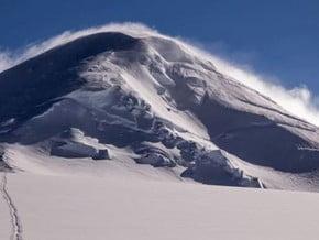Image of Mount Bona (5 029 m / 16 499 ft)