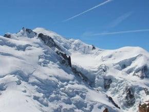 Image of Arete des Cosmiques, up via Mont Maudit, down via Le Nid d'Aigle, Cosmic ridge, Mont Blanc (4 810 m / 15 781 ft)