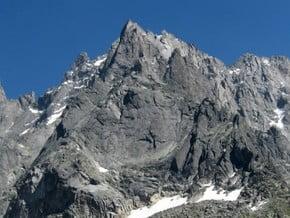 Image of Aiguille du Peigne (3 192 m / 10 472 ft)
