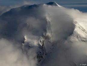 Image of Glacier Peak (3 207 m / 10 522 ft)