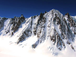 Image of Les Courtes (3 856 m / 12 651 ft)