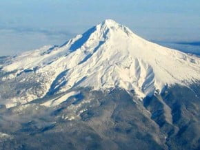 Image of Mount Hood (3 429 m / 11 250 ft)