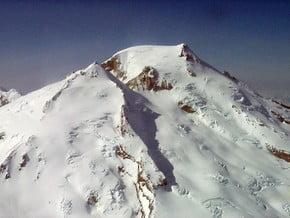 Image of Mount Baker (3 286 m / 10 781 ft)