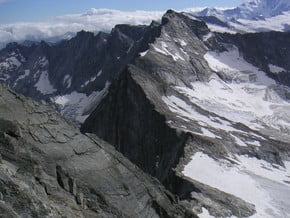 Image of Portjengrat (3 654 m / 11 988 ft)