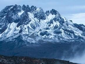 Image of Mawenzi (5 149 m / 16 893 ft)