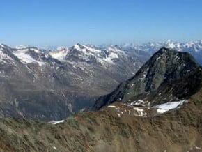 Image of Kreuzspitze (3 455 m / 11 335 ft)