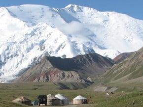 Image of Lenin Peak (7 134 m / 23 406 ft)