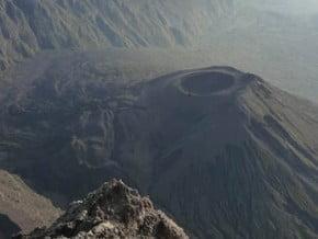 Image of Meru (4 566 m / 14 980 ft)