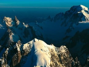 Image of Mont Blanc (4 810 m / 15 781 ft)