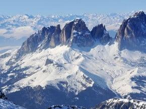 Image of Marmolada (3 343 m / 10 968 ft)