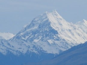 Image of Mount Cook (3 754 m / 12 316 ft)
