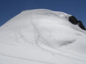 Image of Vincent Pyramid (4 215 m / 13 829 ft)