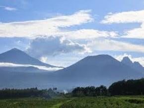 Image of Karisimbi (4 519 m / 14 826 ft)
