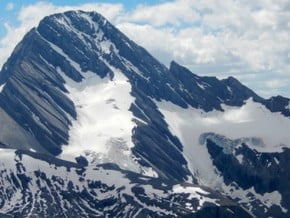 Image of Mount Sir Douglas (3 411 m / 11 191 ft)