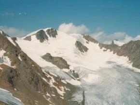 Image of Guslarspitzen (3 147 m / 10 325 ft)