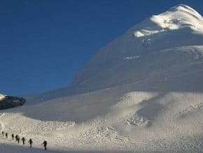 Image of Pharchamo Peak (6 273 m / 20 581 ft)