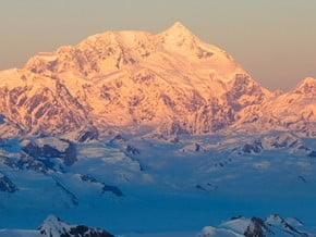 Image of Mount Saint Elias (5 510 m / 18 077 ft)