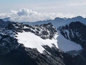 Image of Mount Speke (4 891 m / 16 047 ft)