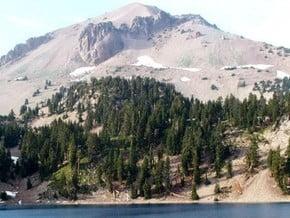 Image of Lassen Peak (3 187 m / 10 456 ft)