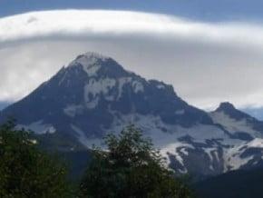 Image of Mount Olympus (2 918 m / 9 573 ft)