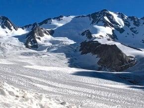 Image of North Ridge, Donguzorun-Cheget-Karabashi (4 454 m / 14 613 ft)