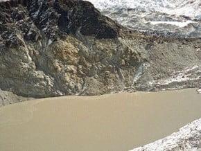 Image of Pumo Ri Base camp, Pumori (7 161 m / 23 494 ft)