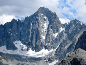 Image of Barre des Ecrins (4 102 m / 13 458 ft)