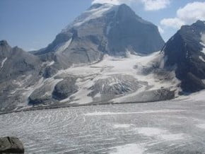Image of Sir Sandford (3 519 m / 11 545 ft)