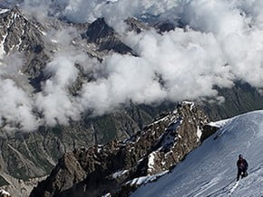 Image of via West Ridge, Dykhtau (5 204 m / 17 074 ft)