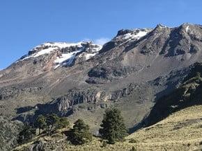 Image of Iztaccihuatl Glaciar de Ayoloco, Iztaccihuatl (5 230 m / 17 159 ft)