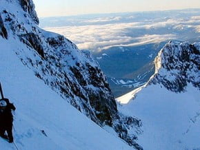 Image of Leuthold Couloir Route, Mount Hood (3 429 m / 11 250 ft)