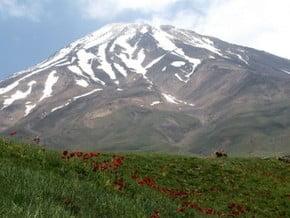 Image of Damavand (5 671 m / 18 606 ft)