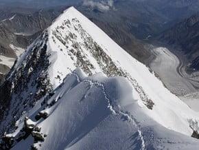 Image of Northeast Ridge, Delone Peak (4 260 m / 13 976 ft)