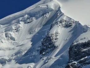 Image of Mta Tetnuldi (4 852 m / 15 919 ft)