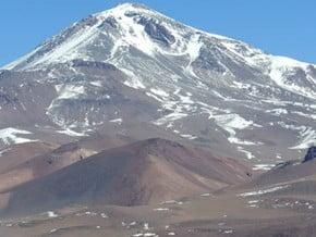 Image of Cerro Llullaillaco (6 730 m / 22 080 ft)