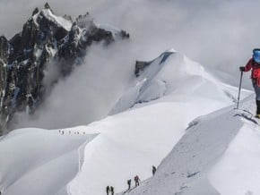 Image of via Gouter Ridge, Mont Blanc (4 810 m / 15 781 ft)