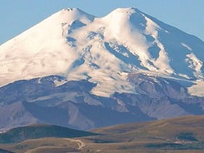 Image of Mount Elbrus (5 642 m / 18 511 ft)