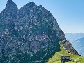 Image of Pointe de la Vuzelle (2 573 m / 8 442 ft)