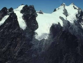 Image of Mont Stanley (5 109 m / 16 762 ft)